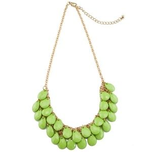 """Statement necklace in color """" GREEN LEAFS """""""